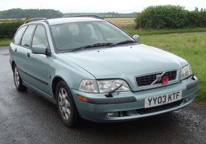 VOLVO V40 D S 1.9 DIESEL 5 DOOR ESTATE