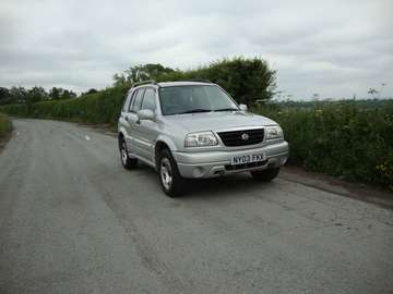 SUZUKI GRAND VITARA 2.0 AUTOMATIC 5 DOOR