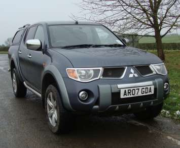 MITSUBISHI L200 2.5 DiD ANIMAL DOUBLECAB PICKUP
