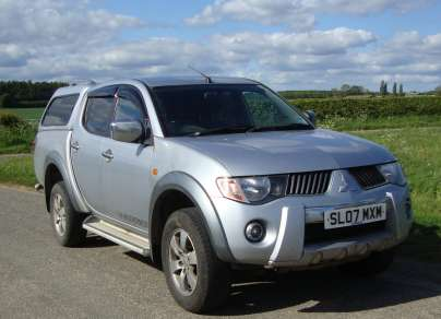 MITSUBISHI L200 2.5 DiD WARRIOR DCAB