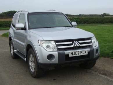MITSUBISHI SHOGUN 3.2 DI-D MANUAL 3 DOOR EQUIPPE