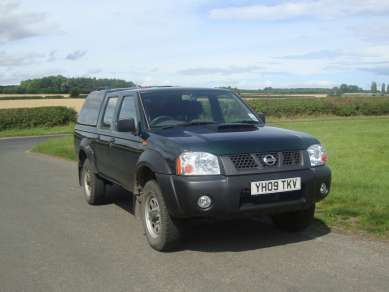 NISSAN NP300 2.5 TD DOUBLECAB PICKUP