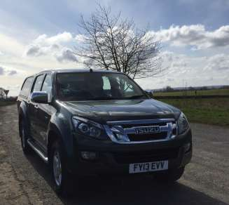 ISUZU DMAX 2.5 YUKON AUTOMOTIC DOUBLECAB PICKUP