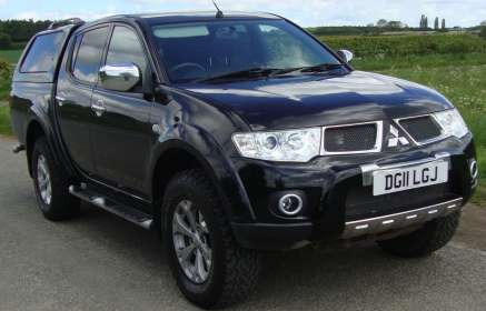 MITSUBISHI L200 2.5 DiD BARBRIAN DCAB