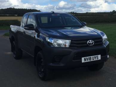 TOYOTA HILUX 2.4 D4D EXTRA CAB PICKUP