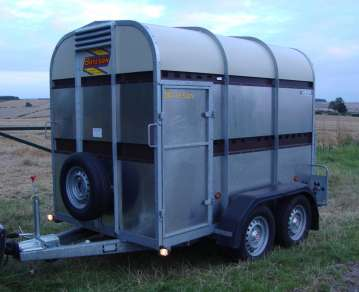 BATESON 8ft x5ft TWIN AXLE CATTLE TRAILER