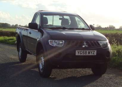 MITSUBISHI L200 4LIFE SINGLE CAB PICKUP