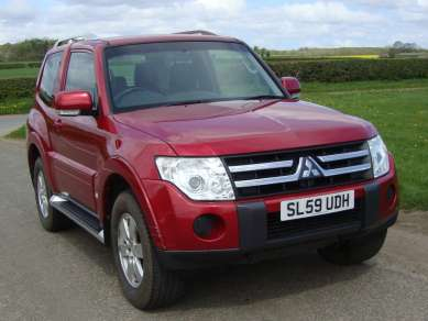 MITSUBISHI SHOGUN 3.2 DID AUTO 3 DOOR EQUIPPE