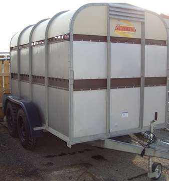 BATESON 10ft CATTLE TRAILER