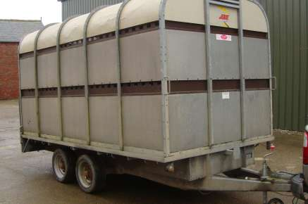 USED BATESON CATTLE TRAILER