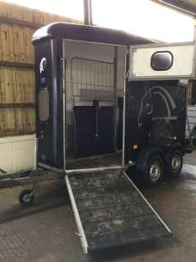 CHEVAL LIBERTE DOUBLE HORSE TRAILER