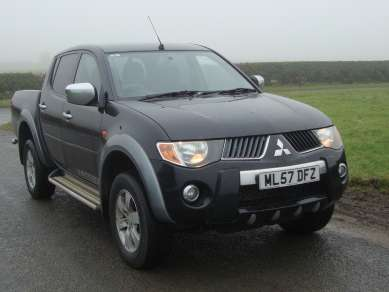 MITSUBISHI L200 2.5 DID AUTO 4X4 DOUBLE CAB PICKUP