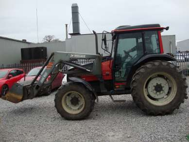 VALTRA 900 4WD TRACTOR C/W LOADER