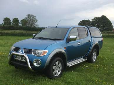 MITSUBISHI L200 2.5 Did AUTOMATIC DOUBLECAB PICKUP