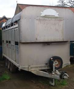 2004 GRAHAM EDWARDS 12FT DEMOUNT CATTLE TRAILER