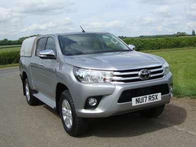NEW TOYOTA HILUX 2.4 D4d DOUBLECAB PICKUP
