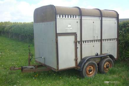 IFOR WILLIAMS CATTLE 8FT TRAILER