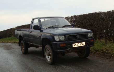 TOYOTA HILUX 2.4 D SINGLECAB PICKUP