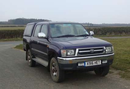 TOYOTA HILUX 2.4 TD DOUBLECAB PICKUP