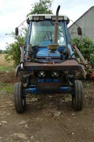 FORD 7610 2 WD TRACTOR C/W POWER LOADER
