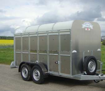 GRAHAM DEWARDS CATTLE TRAILER