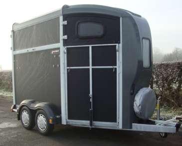 NEW NUGENT SPIRIT 25 HORSE TRAILER